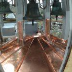 Chor / Treppenhaus - Glockenstube mit ergänztem Stuhl