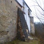 Mauerpfeiler mit Ausbruchstelle