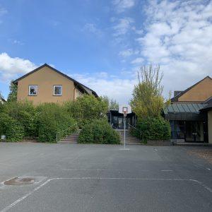 Ansicht Schule vom Pausenhof